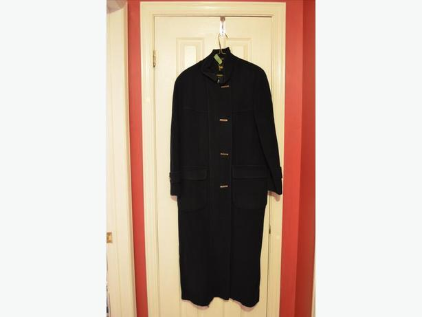 Ladies black winter coat, size 12-14