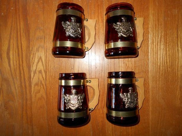 VINTAGE SET OF 4 AMBER GLASS BEER MUGS,WOOD HANDLES - For Cottage or Man Cave!!
