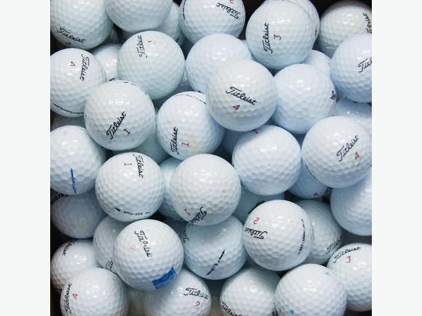 12 balls in excellent condition for 5$
