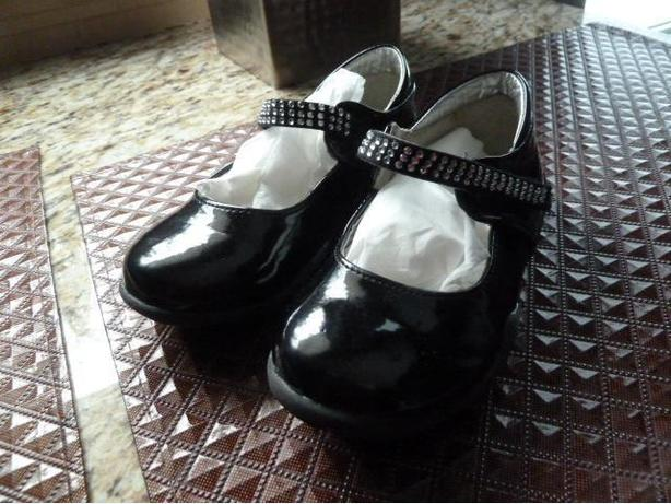 Little Girls black pattane leather shoes