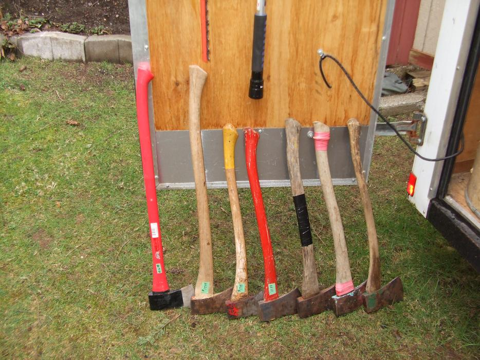 New pics march 5 garden tools courtenay campbell river for Gardening tools vancouver