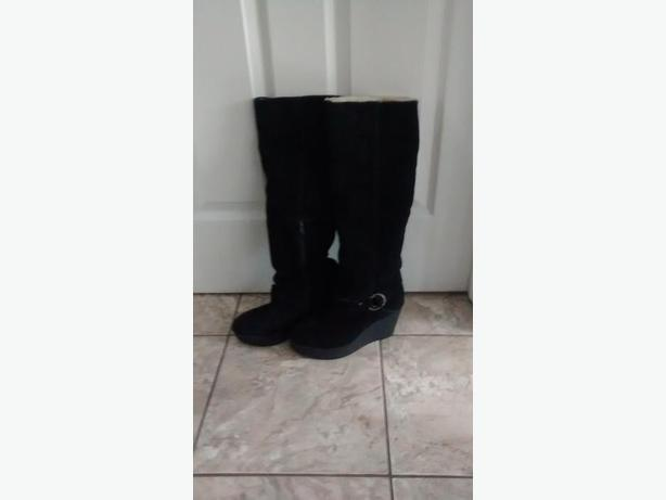 Ladies Gorgeous Black ALDO Boots - Size 10
