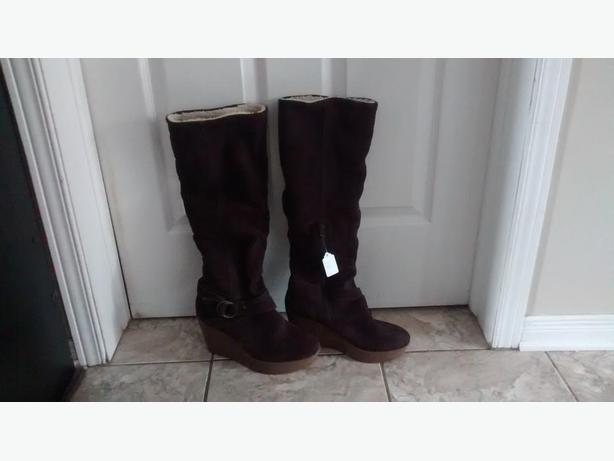 Brand New - Ladies Gorgeous ALDO Boots - Size 10