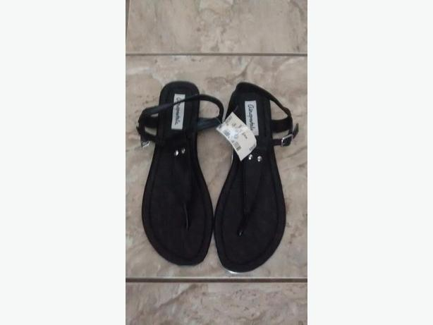 Brand New - Ladies Beautiful Aeropostale Sandals - Size 9