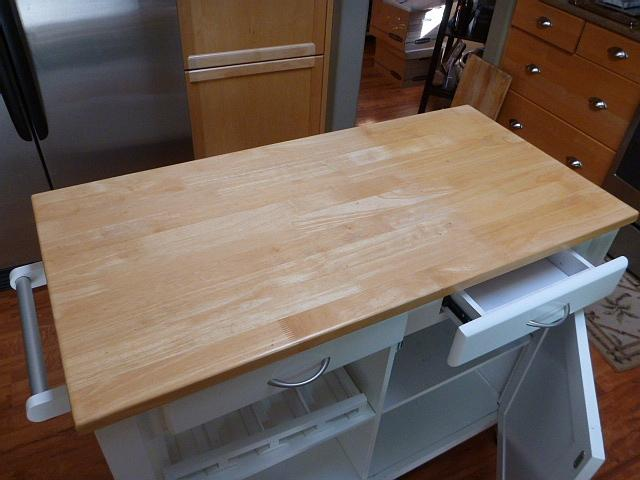 awesome condition - real simple® rolling kitchen island in white