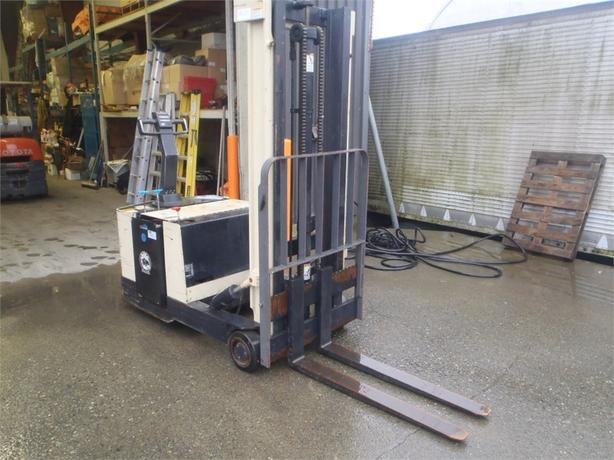 2007 Crown 30WBTL Electric Forklift