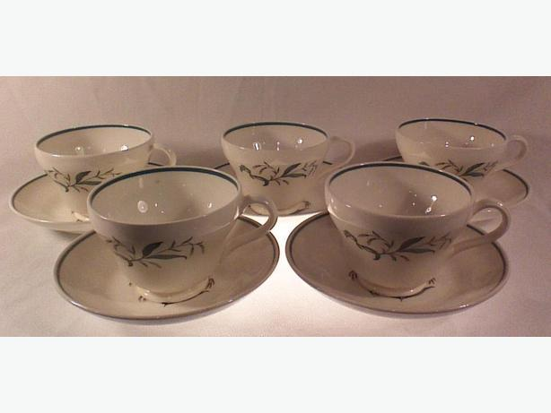 Wedgwood Broomgrass-Green teacups & saucers