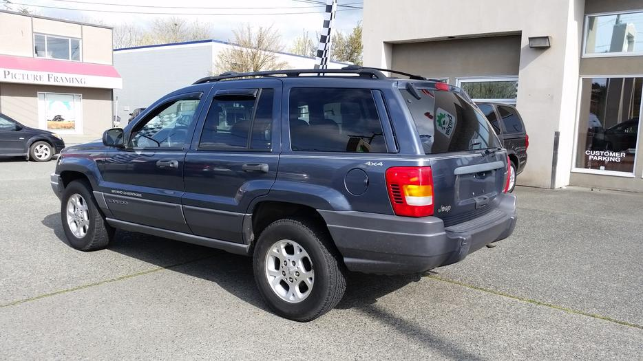 2001 jeep grand cherokee laredo 4wd outside comox valley. Black Bedroom Furniture Sets. Home Design Ideas