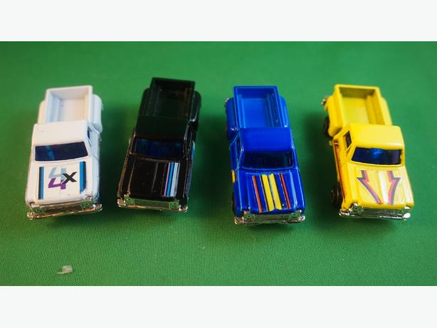 4U2C HOT WHEELS FORD PICK UP TRUCK