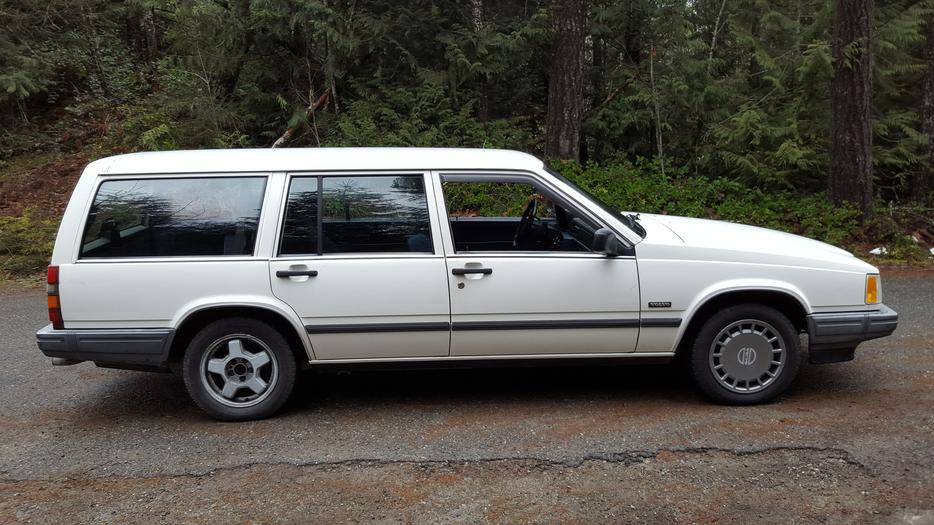 1990 Volvo 740 Wagon Outside Comox Valley Campbell River