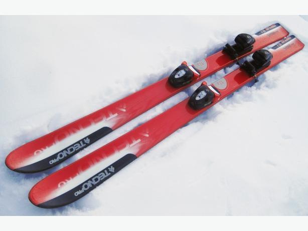 130cm Skis ~ Techno Pro Carve