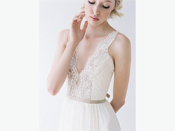 "Truvelle Nicolet wedding dress (unaltered size 8, hemmed to 5'11"")"