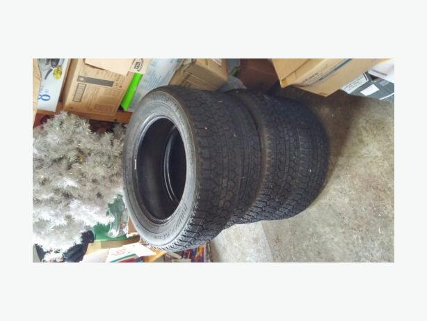4 Bridgestone Blizzak  215/60r16