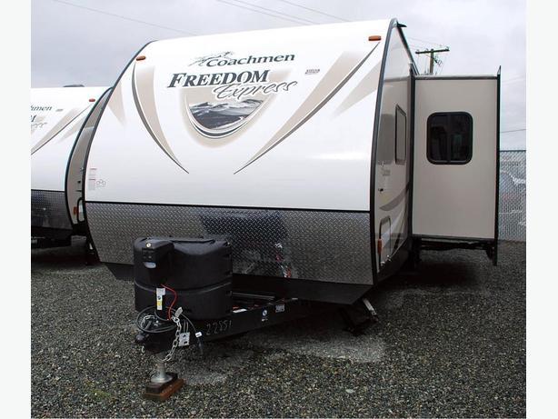 Coachmen Freedom Express 282 BHDS
