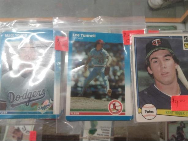Various 1980's Baseball Cards