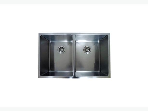 STAINLESS STEEL 16 GAUGE UNDER MOUNT KITCHEN SINK