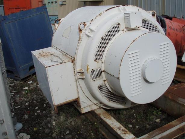 600kw KATO / 900RPM / 480V Generator End