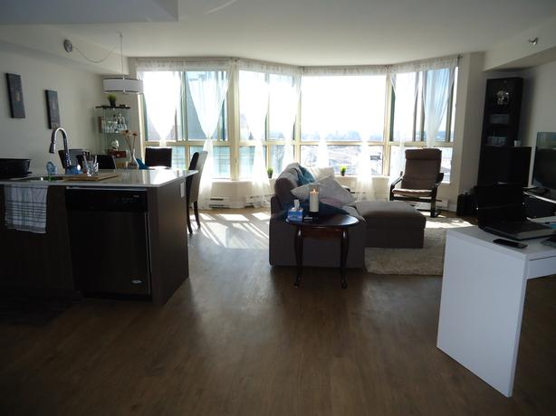 Large Downtown Condo Minto One80five 350 Cash Back