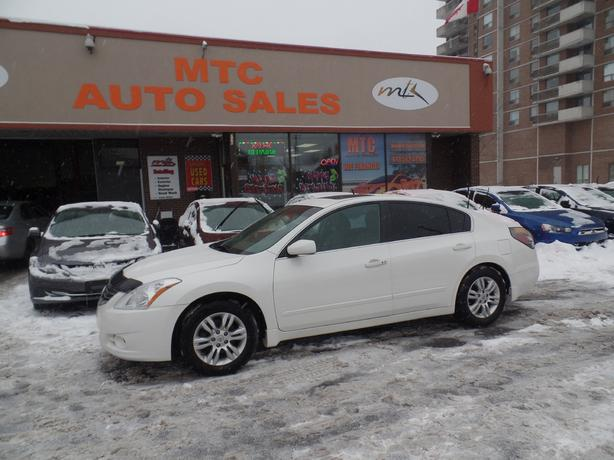 2012 nissan altima 2 5s cvt automatic great gas mileage. Black Bedroom Furniture Sets. Home Design Ideas