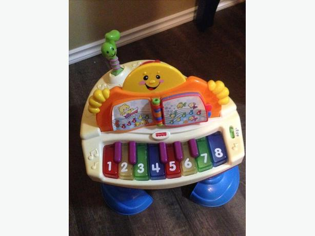 Fisher Price Laugh and Learn Baby Grand Piano
