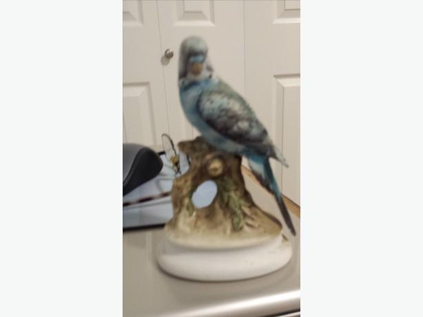 Parakeet figurine