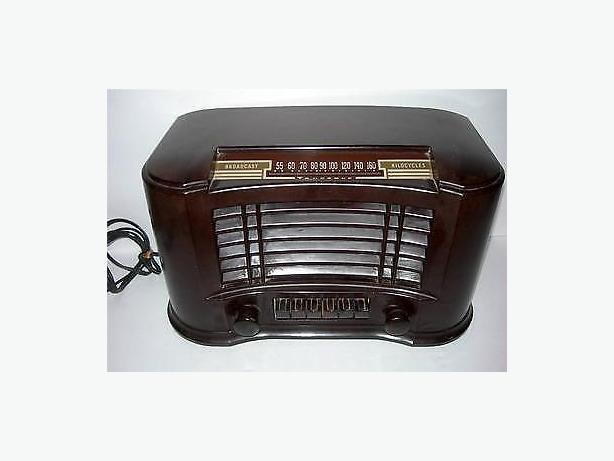 Working Antique Truetone D2815 Bakelite Radio 1940