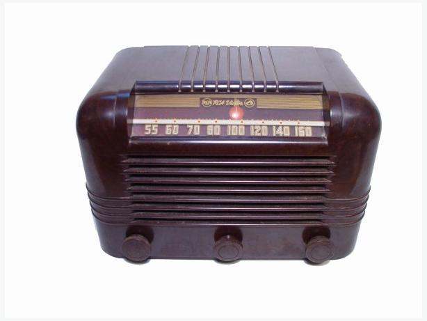Working Antique RCA 56x Bakelite Radio 1945