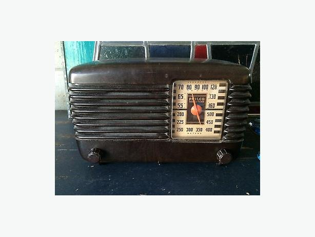 Working Antique Philco 46-200 Bakelite Radio 1946