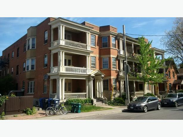 3 Bedroom Centretown Apartment (357 Frank St) - Dec  1st