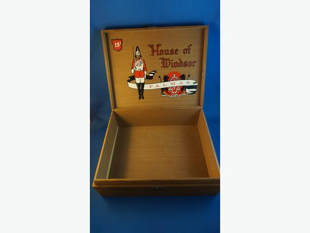 4U2C VINTAGE CIGAR WOOD CIGAR BOX HOUSE OF WINDSOR