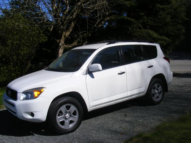 2006 toyota rav4 4x4 outside comox valley courtenay comox. Black Bedroom Furniture Sets. Home Design Ideas