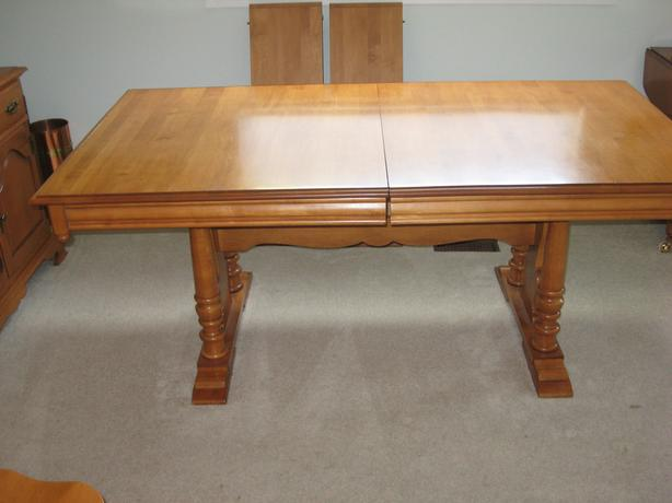 For Sale Or Trade Roxton Maple Trestle Table Round Oval