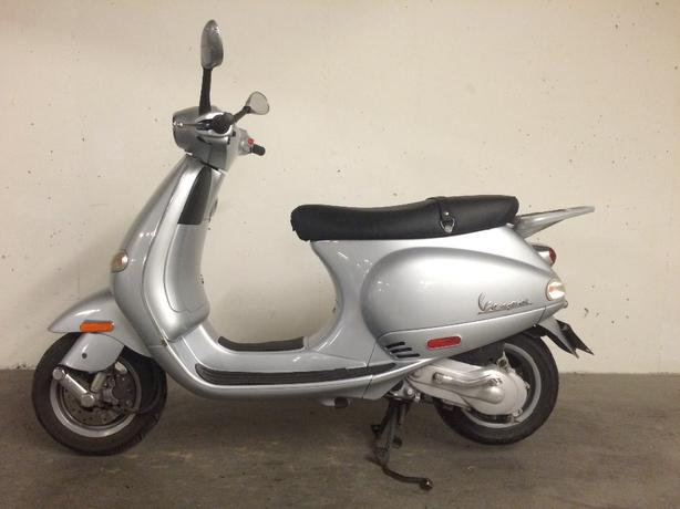 2005 vespa et2 50cc parksville nanaimo. Black Bedroom Furniture Sets. Home Design Ideas