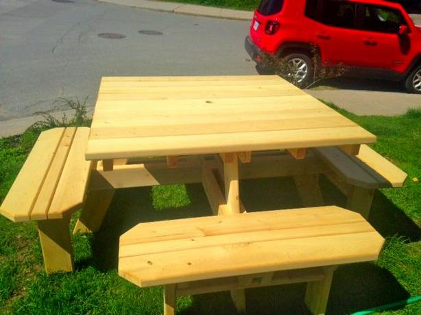 New Cedar Square Picnick Table