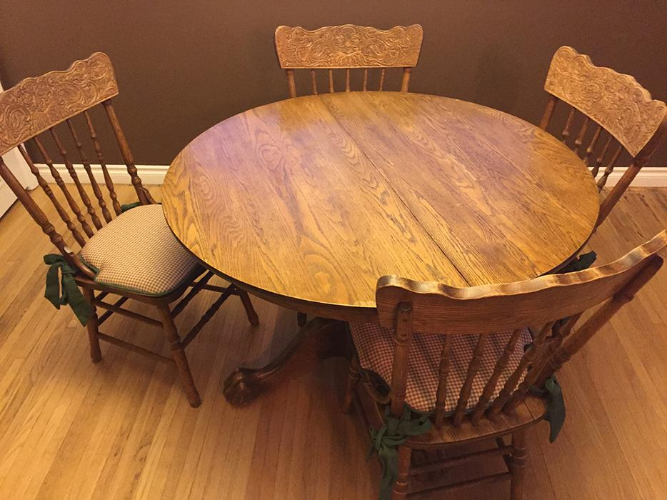 Dining table and matching chairs south regina