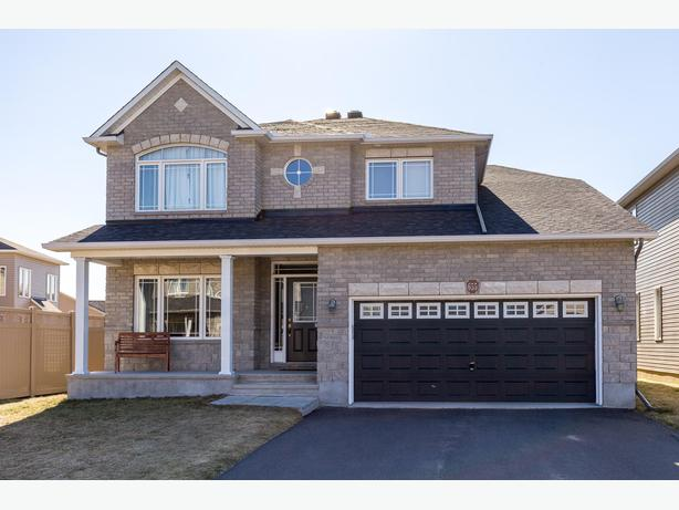 Immaculate stately 6 bed 5 bath family home in bradley for Immaculate family home