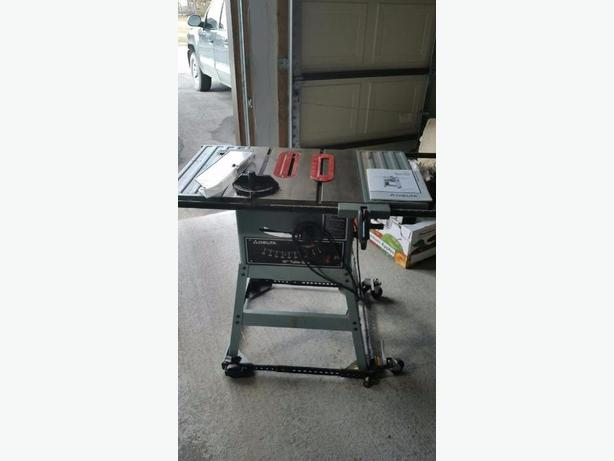 Delta 10 Quot Table Saw With Fence Amp Mitre Gauge Amp Rolling