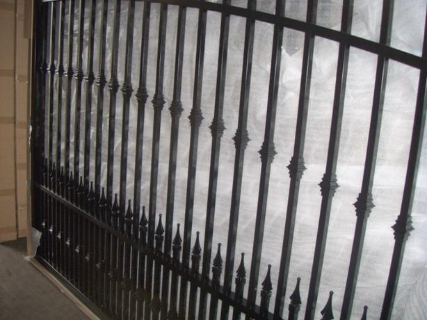 Aluminum driveway gates and side gates all on sale best for Aluminum driveway gates prices