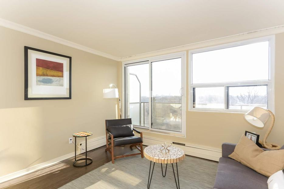 1 Bedroom Apartment Trendy Centretown Location Central