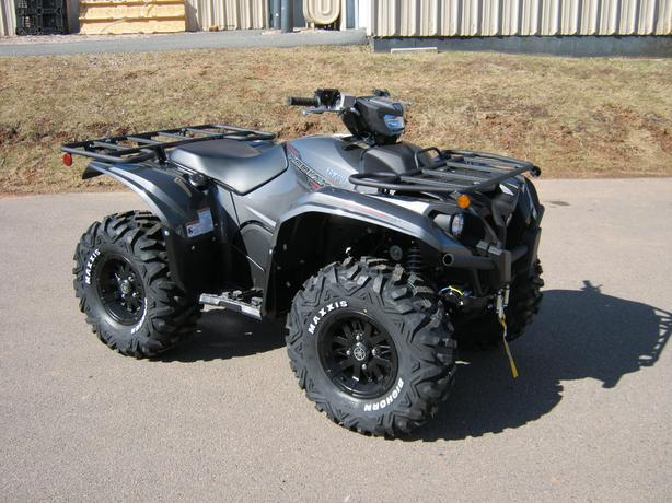 New 2016 Yamaha Kodiak 700 EPS SE Carbon Metallic