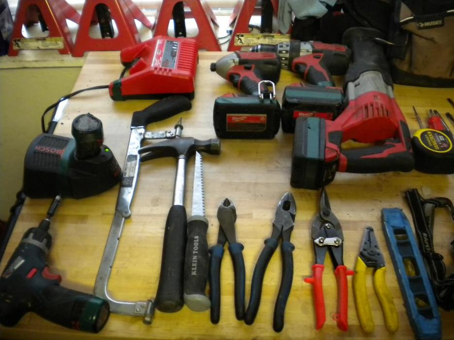 Vancouver Island Electrician Wanted