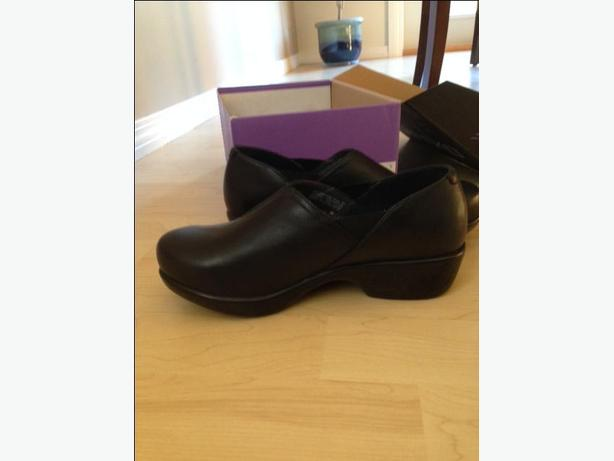 REDUCED!  Dansko Women's shoes - New in Box!