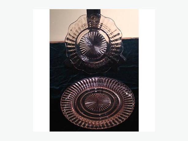 Pair of pink Depression glass bowls by Anchor Hocking