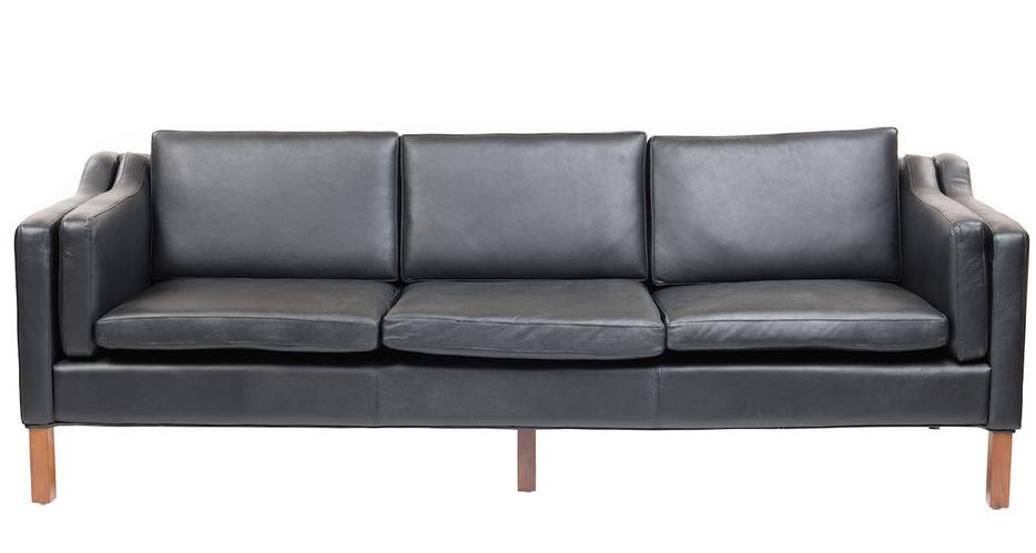 Showroom closing sale everything must go sofas outside for Sofa world ottawa