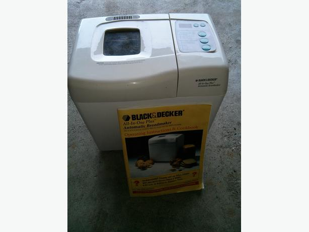 Black and Decker Breadmaker and Manual
