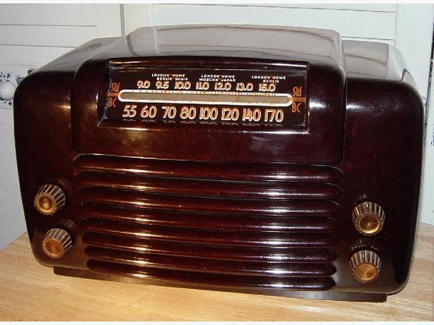 Working Antique Philco 48-464 Bakelite Radio 1948
