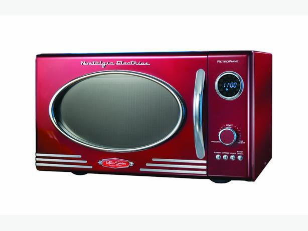 BRAND NEW - still in box - Nostalgia Electrics, Retro .9 CF Microwave Oven, Red