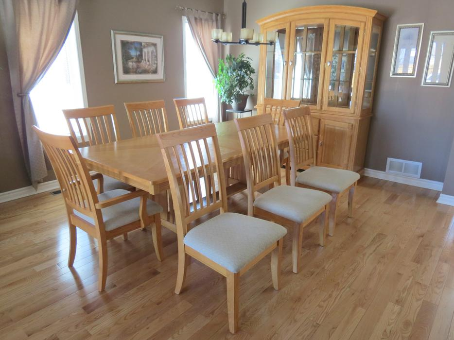 Solid Oak Dining Room Set With Hutch And Buffet Orleans Ottawa