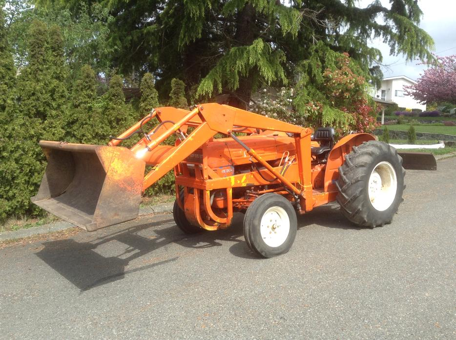 Ford 3000 Tractor Generator : Ford tractor outside comox valley campbell river