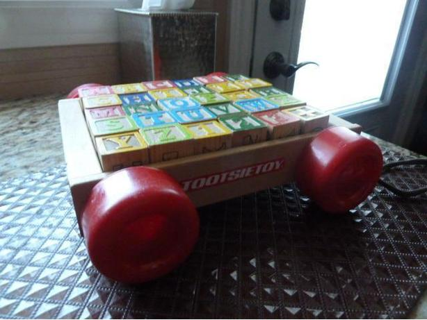Vintage Tootsie Pull wood Wagon with 30 Wooden letter Blocks